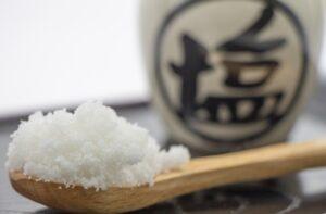 ウーパールーパーの塩浴のやり方!食塩濃度や期間・効果について解説!