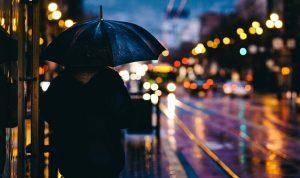 渋谷ハロウィンは雨なら中止?雨天決行でも楽しむための雨対策!