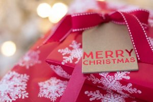 付き合ってすぐ彼氏へのクリスマスプレゼント選択時のおすすめや注意点!