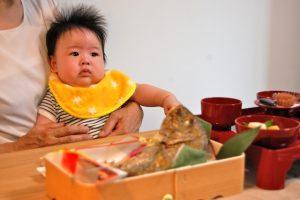 お食い初めの服装!赤ちゃんと親(ママとパパ)はどんな格好するべき?