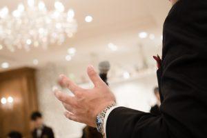結婚式スピーチを友人代表として頼まれた時の例文!