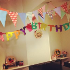 2歳の誕生日会の飾り付け!100均で限界まで【手作り&簡単攻略】