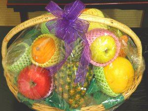 四十九日のお供え物の果物の盛り付け方!法要後に分けづらい果物の分け方は?